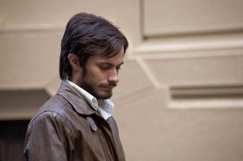 Manu Zapata_El cine (de estreno) fácil de leer_vivazapata.net_NO_Gael García Bernal cabizbajo