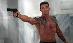 Stallone con pistola