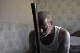 Manu Zapata_El cine (de estreno) fácil de leer_vivazapata.net_ Mullan con el bate