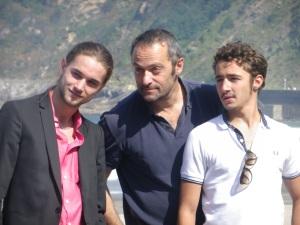 Cédric Khan, director de Vida salvaje, con sus intérpretes  Foto: Manu Zapata