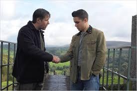 Manu Zapata_El cine (de estreno) fácil de leer_vivazapata.net_PRIDE two hands