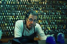 Manu Zapata_El cine (de estreno) fácil de leer_vivazapata.net_Señor Manglehorn PAcino en la cerrajería