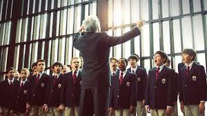 Manu Zapata_El cine (de estreno) fácil de leer_vivazapata.net_EL CORO_Dustin Hoffman dirige el coro
