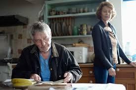 Manu Zapata_El cine (de estreno) fácil de leer_vivazapata.net_45 AÑOS_Charlotte Rampling y Tom Courtenay cocina