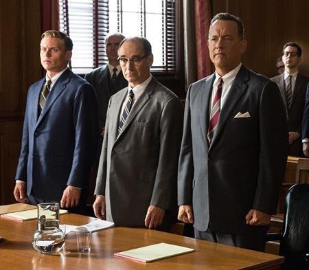 Manu Zapata_El cine (de estreno) fácil de leer_vivazapata.net_EL PUENTE DE LOS ESPÍAS_Tom Hanks y Mark Rylance juicio 2
