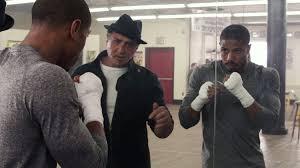 Manu Zapata_El cine (de estreno) fácil de leer_vivazapata.net_CREED.LA LEYENDA DE ROCKY_Entrenando Michael B. jordan Sylvester Stallone