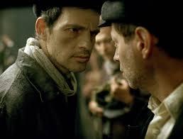 Manu Zapata_El cine (de estreno) fácil de leer_vivazapata.net_EL HIJO DE SAÚL_Enfrentado a un compañero