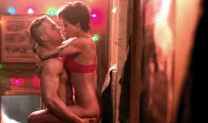 Manu Zapata_El cine (de estreno) fácil de leer_vivazapata.net_DEADPOOL_Ryan Reynolds y su chica