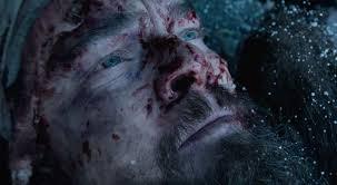Manu Zapata_El cine (de estreno) fácil de leer_vivazapata.net_EL RENACIDO_DiCaprio mira al cielo