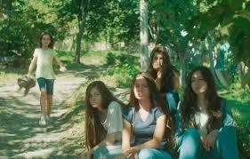 Manu Zapata_El cine (de estreno) fácil de leer_vivazapata.net_MUSTANG_la cuatro mayoresy llega la pequeña