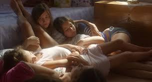 Manu Zapata_El cine (de estreno) fácil de leer_vivazapata.net_MUSTANG_las chicas tiradas