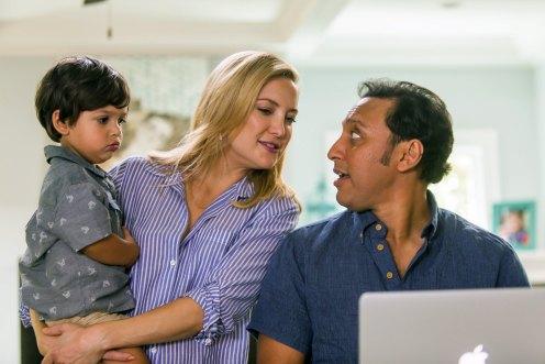 Manu Zapata_El cine (de estreno) fácil de leer_vivazapata.net_FELIZ DÍA DE LA MADRE_Kate Hudson, marido indio