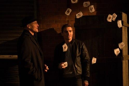 Manu Zapata_El cine (de estreno) fácil de leer_vivazapata.net_AHORA ME VES 2_Dave Franco Woody Harrelson