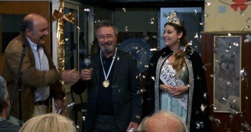 manu-zapata_el-cine-de-estreno-facil-de-leer_vivazapata-net_el-ciudadano-ilustre_oscar-martinez-medalla