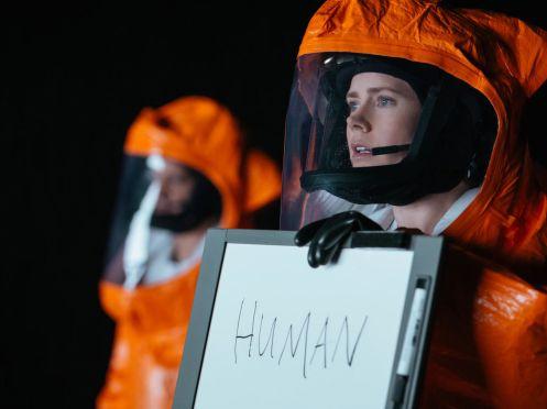 manu-zapata_el-cine-de-estreno-facil-de-leer_vivazapata-net_la-llegada_amy-adams-human