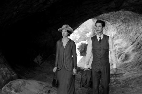 manu-zapata_el-cine-de-estreno-facil-de-leer_vivazapata-net_frantz_paula-beer-y-pierre-niney-en-la-cueva