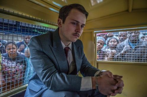 Manu Zapata_El cine (de estreno) fácil de leer_vivazapata.net_GUARDIÁN Y VERDUGO_Garion Dowds