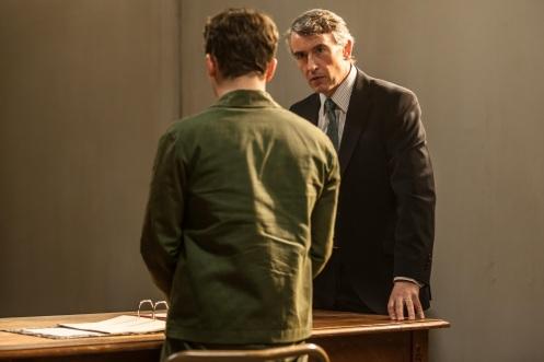 Manu Zapata_El cine (de estreno) fácil de leer_vivazapata.net_GUARDIÁN Y VERDUGO_Steve Coogan se enfrenta a su defendido