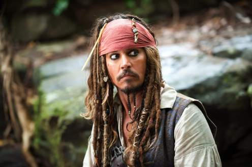 Manu Zapata_El cine (de estreno) fácil de leer_vivazapata.net_PIRATAS DEL CARIBE-LA VENGANZA DE SALAZAR_Johnny Depp en el bosque
