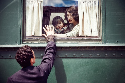 Manu Zapata_El cine (de estreno) fácil de leer_vivazapata.net_ALI & NINO_Adam Bakri y María Valverde, despedida