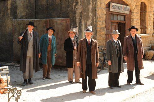 Manu Zapata_El cine (de estreno) fácil de leer_vivazapata.net_BYE BYE GERMANY_Comerciantes