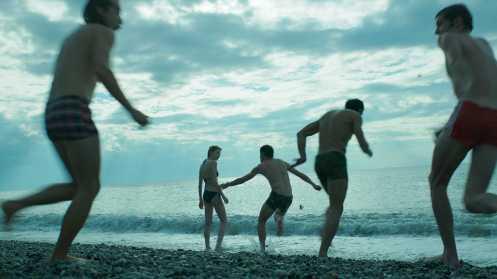 Manu Zapata_El cine (de estreno) fácil de leer_vivazapata.net_REHENES_En la playa, al principio de todo