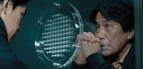 Manu Zapata_El cine (de estreno) fácil de leer_vivazapata.net_EL TERCER ASESINATO_Interrogatorio en la celda