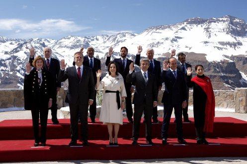 Manu Zapata_El cine (de estreno) fácil de leer_vivazapata.net_LA CORDILLERA_Cumbre de Presidentes en los Andes