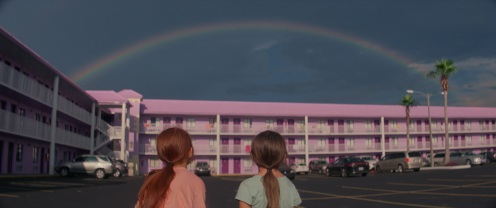Manu Zapata_El cine (de estreno) fácil de leer_vivazapata.net_THE FLORIDA PROJECT_Las dos niñas, el hotel y el arcoiris