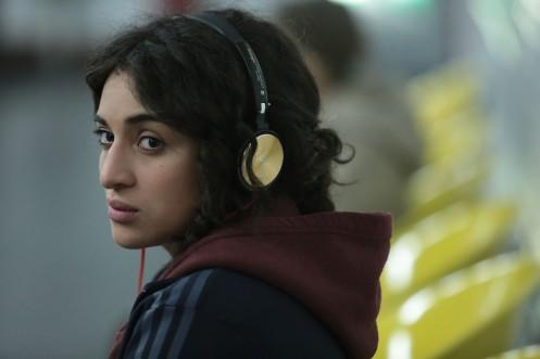 Manu Zapata_El cine (de estreno) fácil de leer_vivazapata.net_UNA RAZÓN BRILLANTE_Camélia Jordana cascos