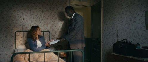 Manu Zapata_El cine (de estreno) fácil de leer_vivazapata.net_EL DOCTOR DE LA FELICIDAD_Omar Sy con Ana Giradot