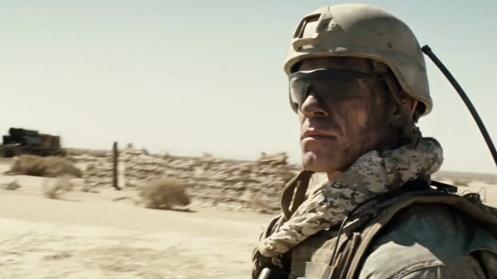 Manu Zapata_El cine (de estreno) fácil de leer_vivazapata.net_THE WALL_John Cena Primer Plano