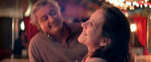 Manu Zapata_El cine (de estreno) fácil de leer_vivazapata.net_LA NOVIA DEL DESIERTO_Paulina García y Claudio Risi risas