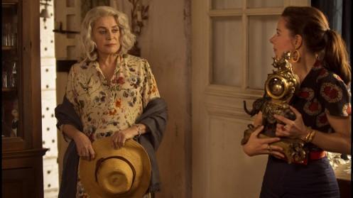 Manu Zapata_El cine (de estreno) fácil de leer_vivazapata.net_LA ÚLTIMA LOCURA DE CLAIRE DARLING_Catherine Deneuve y el reloj de elefante