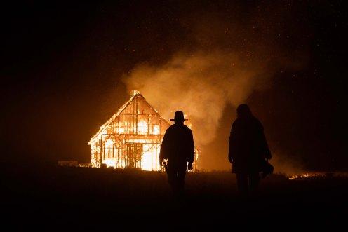 Manu Zapata_El cine (de estreno) fácil de leer_vivazapata.net_LOS HERMANOS SISTERS_Ardiendo en la noche