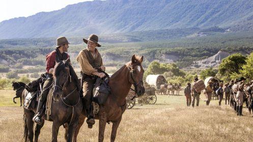 Manu Zapata_El cine (de estreno) fácil de leer_vivazapata.net_LOS HERMANOS SISTERS_Joaquin Phoenix y John C. Reilly caballos PG
