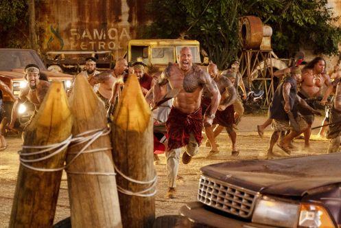 Manu Zapata_El cine (de estreno) fácil de leer_vivazapata.net_FAST & FURIOUS HOBBS & SHAW_Dwayne Johnson y los samoanos