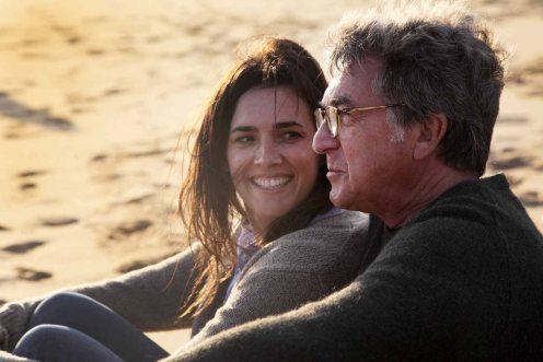 Clémentine Baert y François Cluzet_Manu Zapata_El cine (de estreno) fácil de leer_vivazapata.net_PEQUEÑAS MENTIRAS PARA ESTAR JUNTOS
