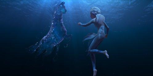 Elsa en el agua_Manu Zapata_El cine (de estreno) fácil de leer_vivazapata.net_FROZEN II