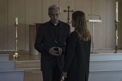 Imanol Arias y Marta Etura_Manu Zapata_El cine (de estreno) fácil de leer_vivazapata.net_LEGADO EN LOS HUESOS